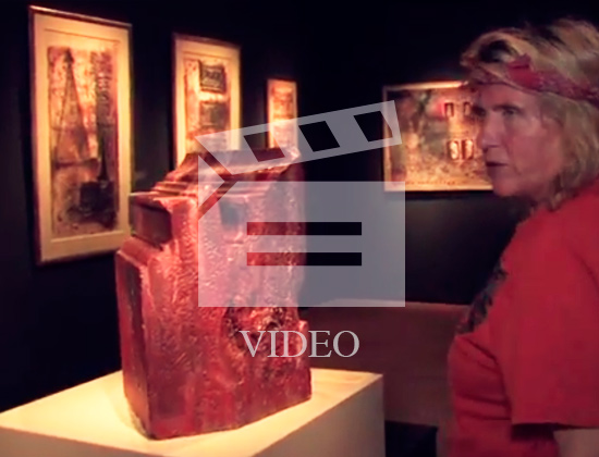 Bierenbroodspot talks about *Petra Revisited* as she walks through her space in the Rijksmuseum van Oudheden